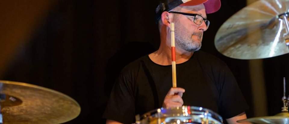 Stephan Kofler am Schlagzeug